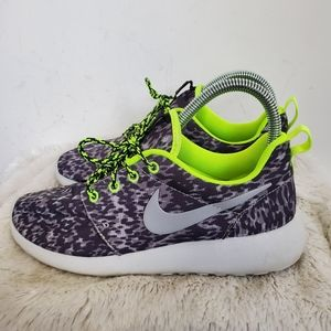 Nike Rosche Run Trail Running Shoes Sneakers 6.5